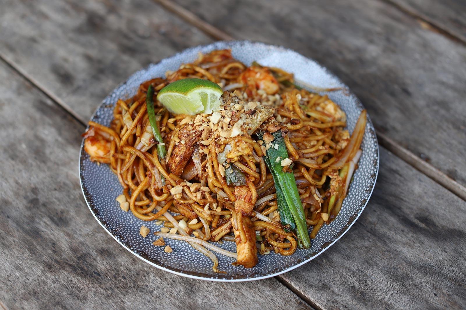 noodle dish pad thai